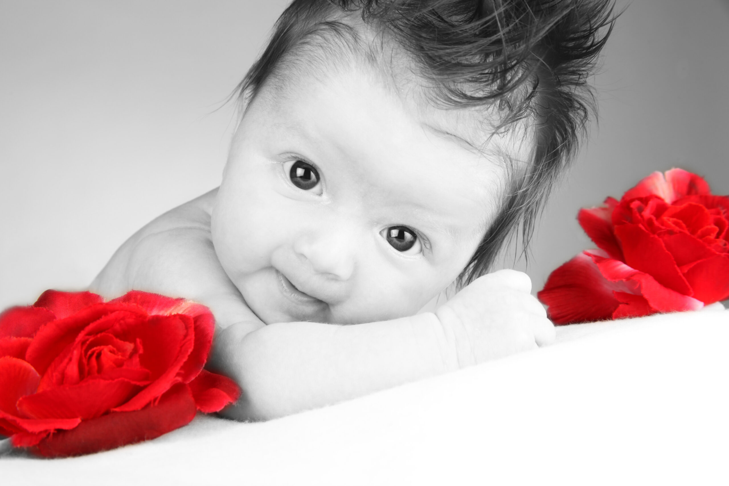 Babyfoto mit Blumen