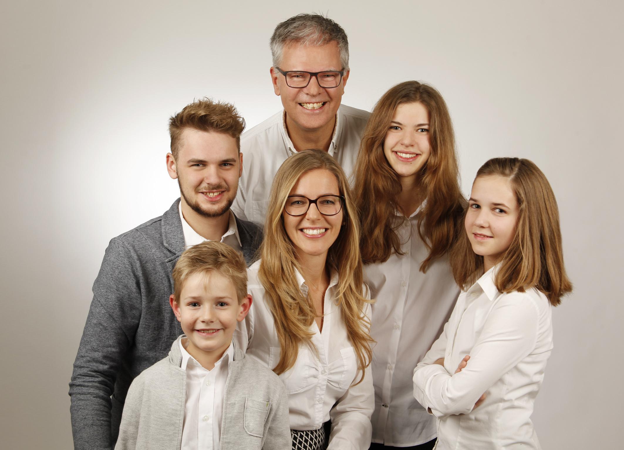 Familienportrait mit 4 Kinder
