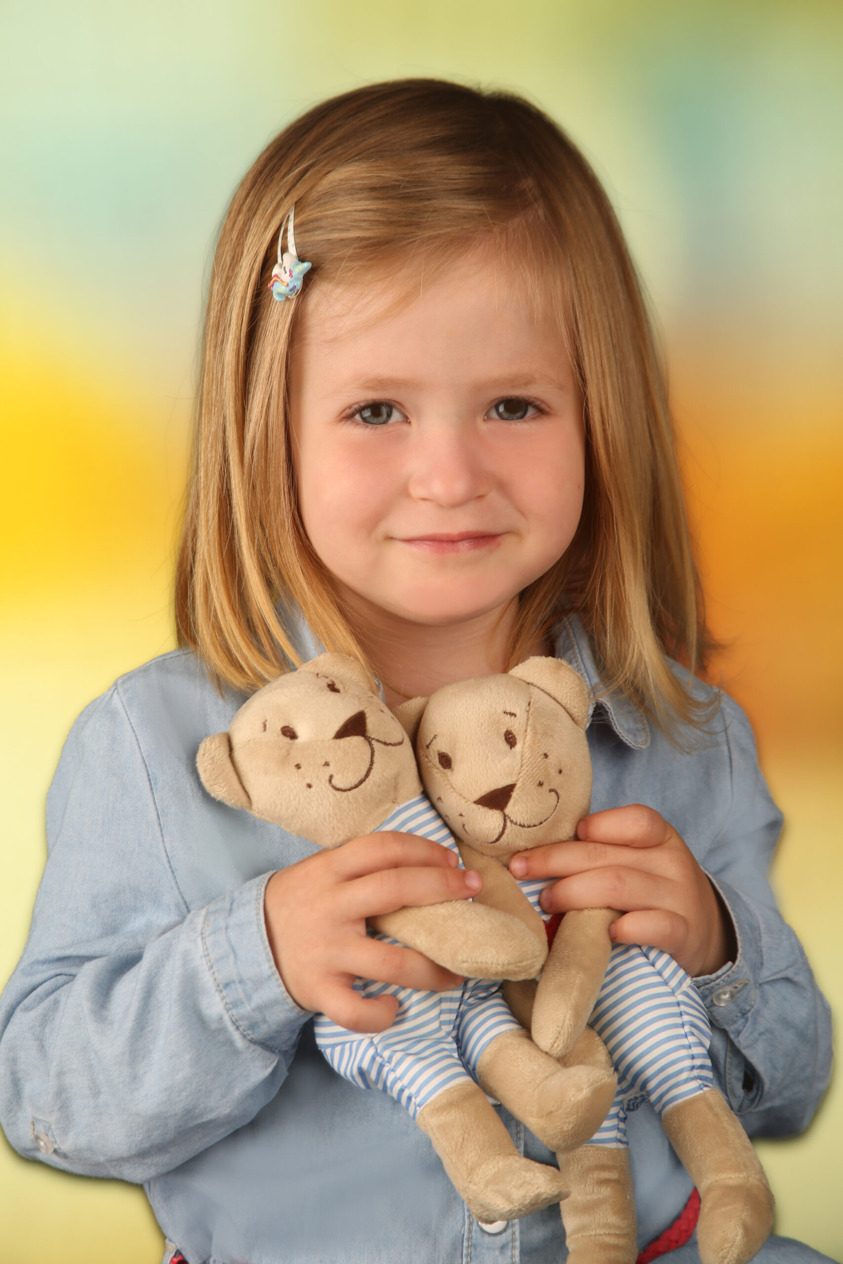 Kinderfoto mit Teddybären